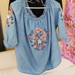 Dress Barn embroidered chambray top 135306